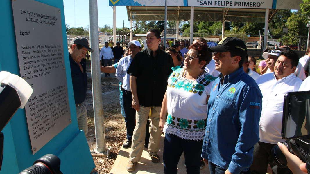Gobernador visitando los municipios