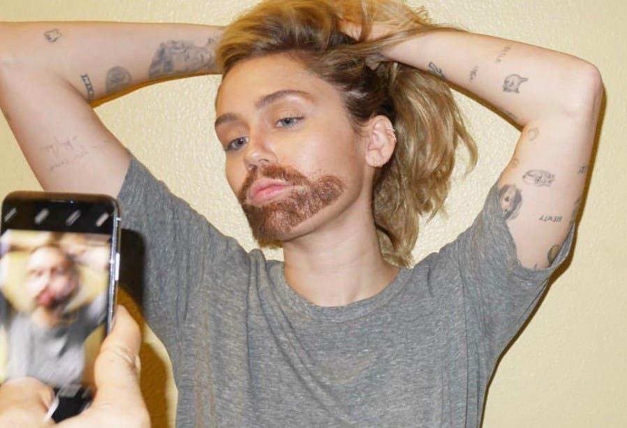 Foto: ¡No lo puedo creer! Miley Cyrus aparece con barba en redes sociales