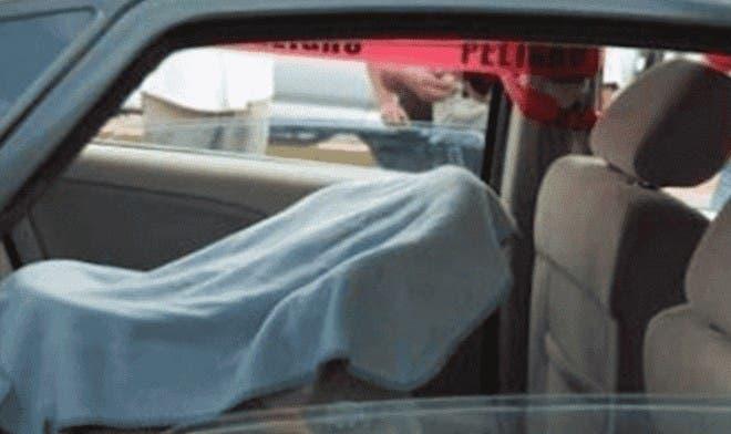 Padre olvida a su bebé en el auto y muere