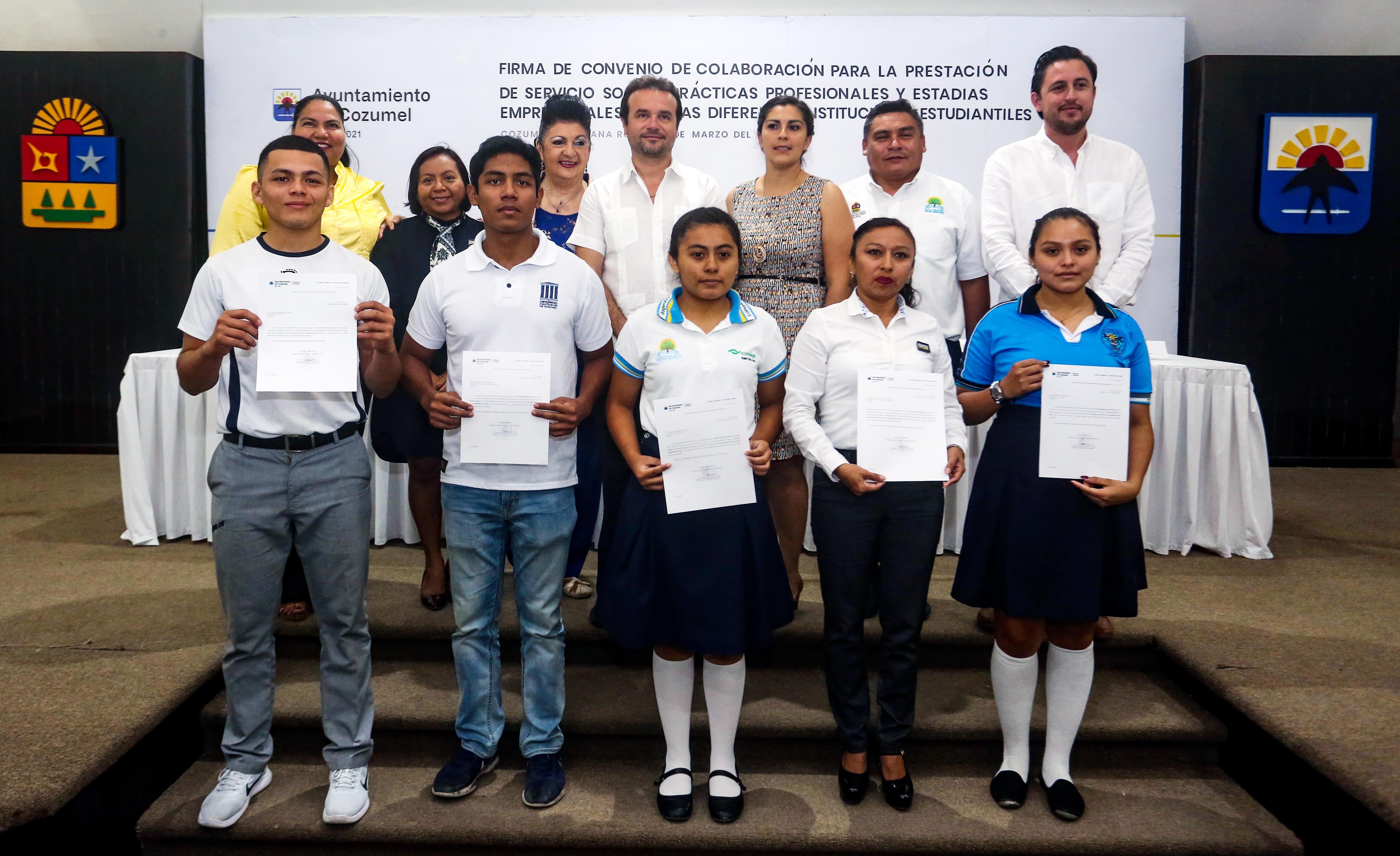 Más de 30 alumnos de nivel medio y superior de la isla, realizan su servicio social, prácticas profesionales y estadías empresariales en el Ayuntamiento de Cozumel
