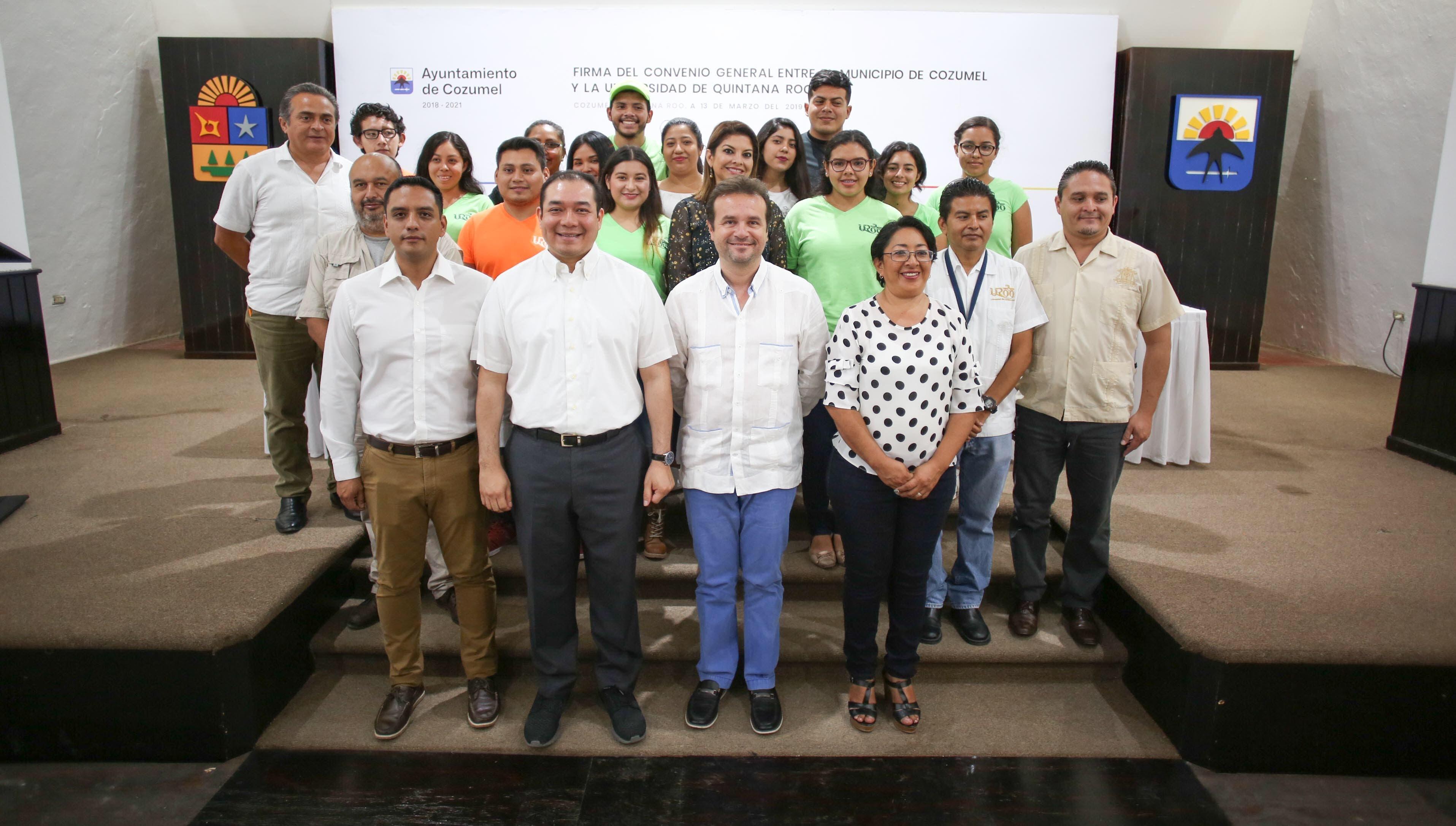 Suscriben convenio de colaboración el Ayuntamiento de Cozumel y la Universidad de Quintana Roo en beneficio de la comunidad y estudiantes