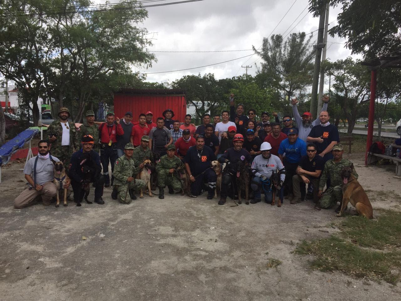 Asistentes al curso de Formación de Especialistas en Búsqueda y Rescate.