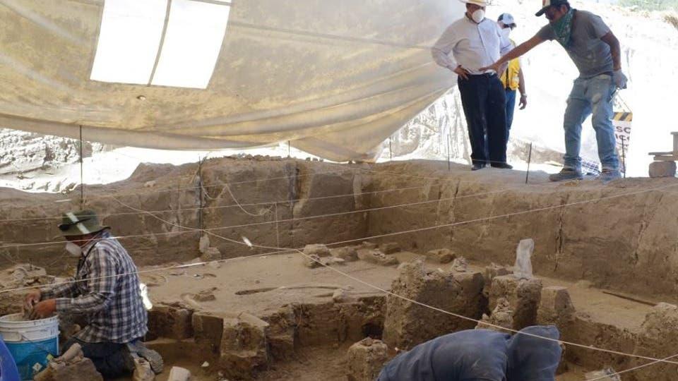 Descubren huesos de mamuts en un basurero del Estado de México