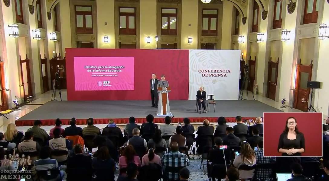 Voy a cumplir, Reforma Educativa se va: AMLO