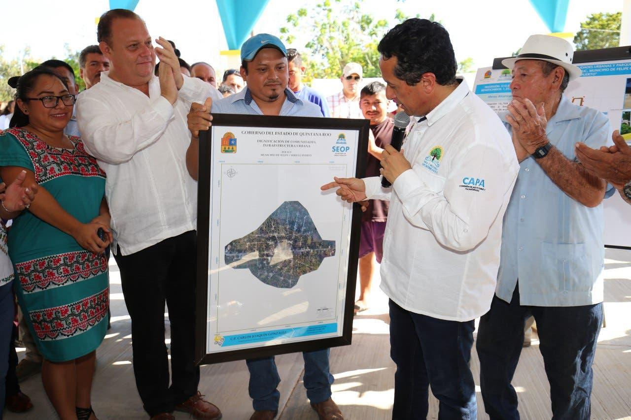 El gobernador Carlos Joaquín inauguró la renovación total del poblado, con obras en las que se invirtieron más de 10.5 millones de pesos