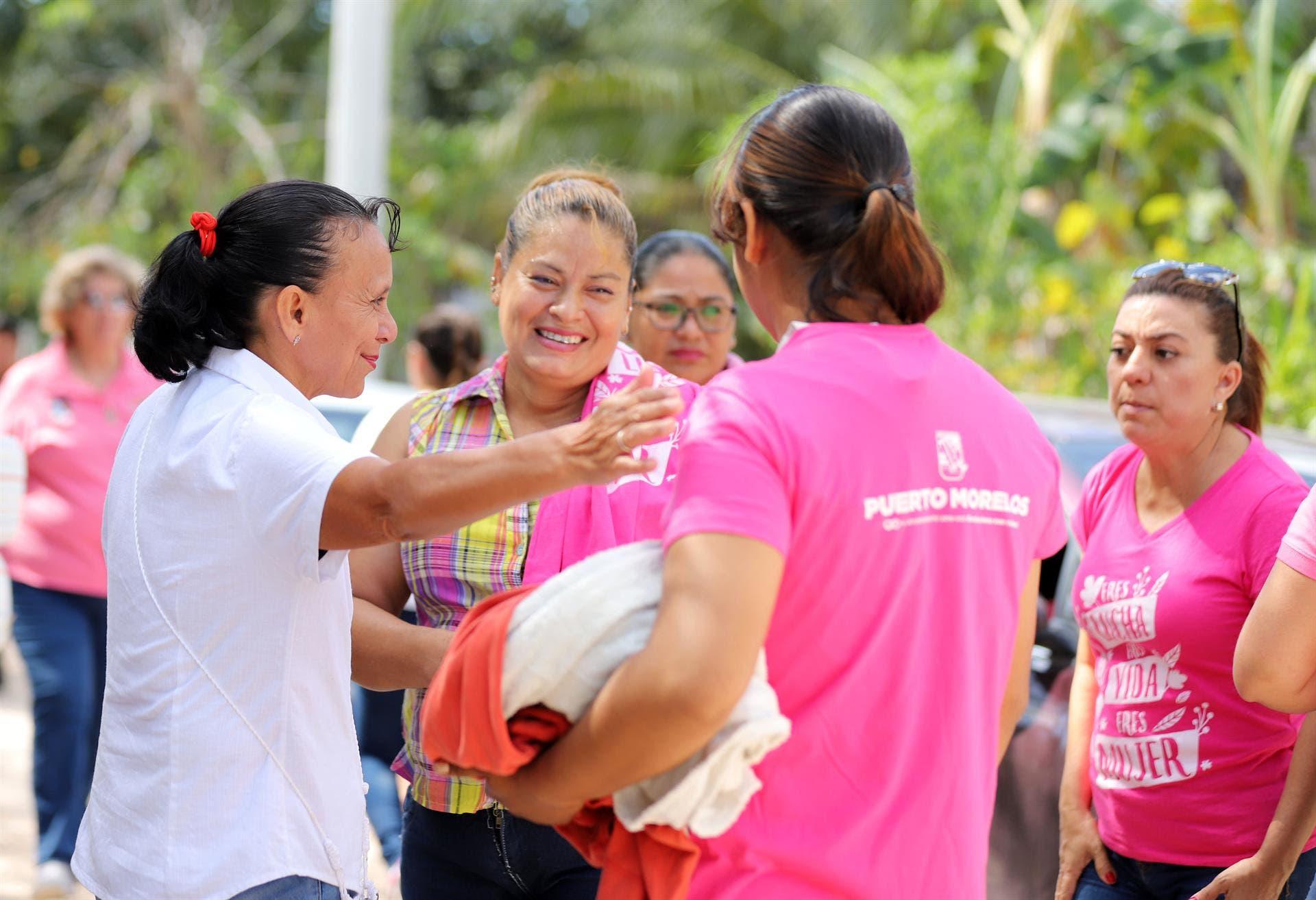El Instituto Municipal de la Mujer visitó la zona rural de distintas comunidades de Puerto Morelos.