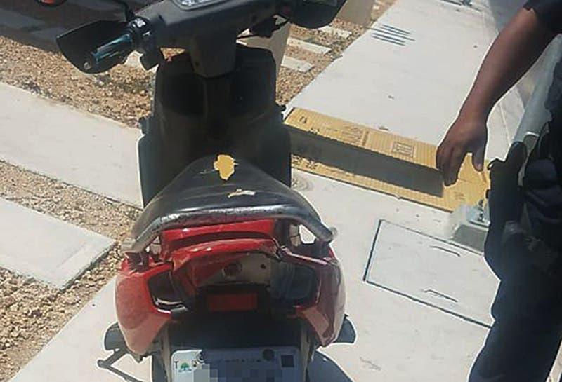 Recuperan una motocicleta con reporte de robo en Playa del Carmen