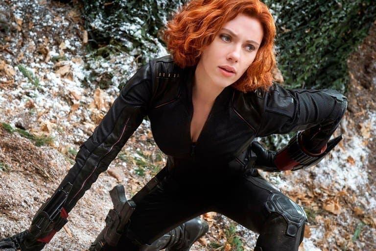 Scarlett Johansson realiza radical reducción en su busto