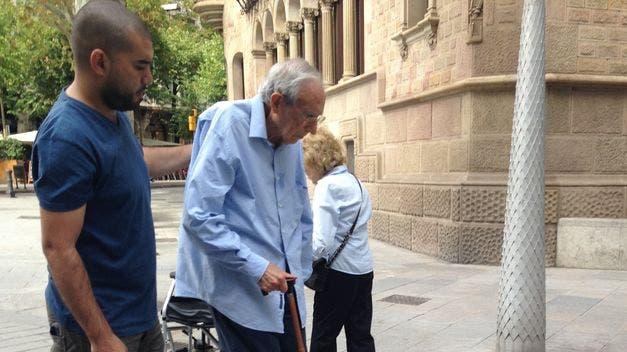 Fotos: ¡Ejemplo de ser Mexicano! Chavo ayuda a abuelo en el metro de Guadalajara y lo elogian en redes sociales
