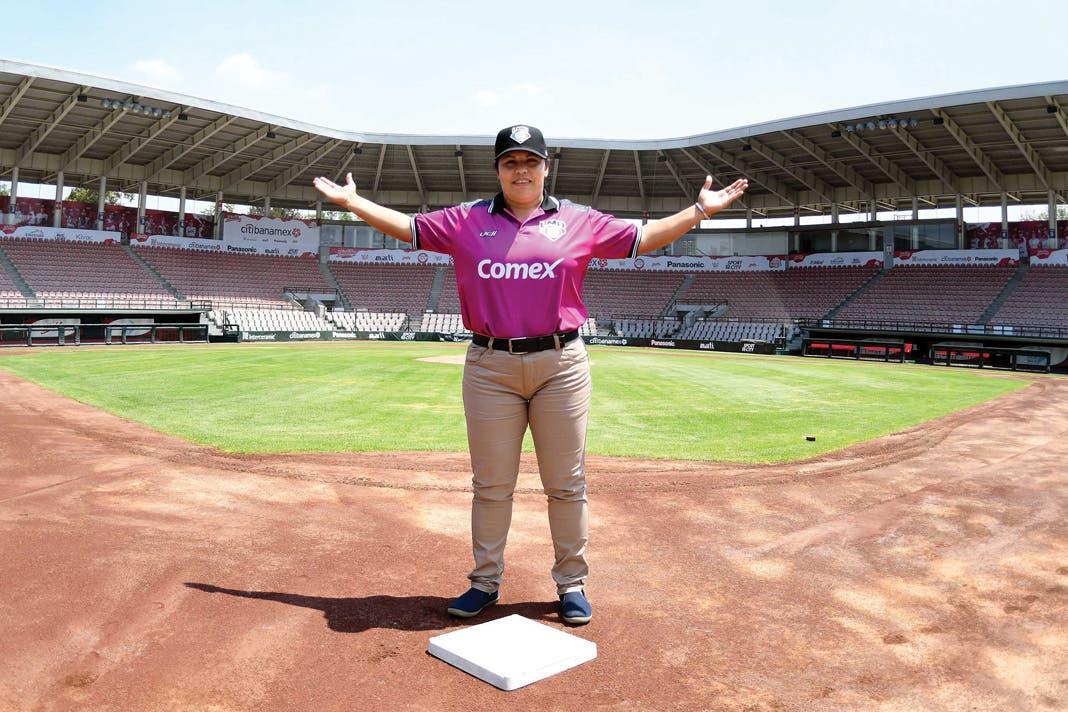 Luz Alicia Gordoa continúa escribiendo historia; primera mujer mexicana umpire en Samurai