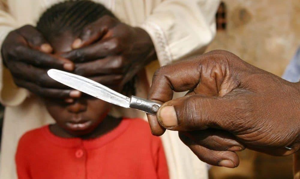 Mamá mutila a sus hijas, le dan cuatro años de prisión