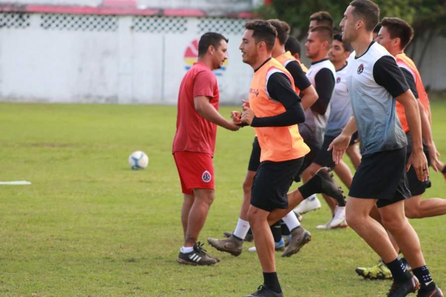Liga Premier: Pioneros visita a Cocodrilos de Tabasco en Jornada 26