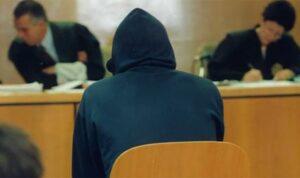 Fue encarcelado por violar a una hija; queda libre y abusa de la otra