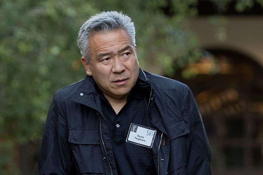 Presidente de la productora Warner Bros pedía tener relaciones, luego del escándalo renuncia