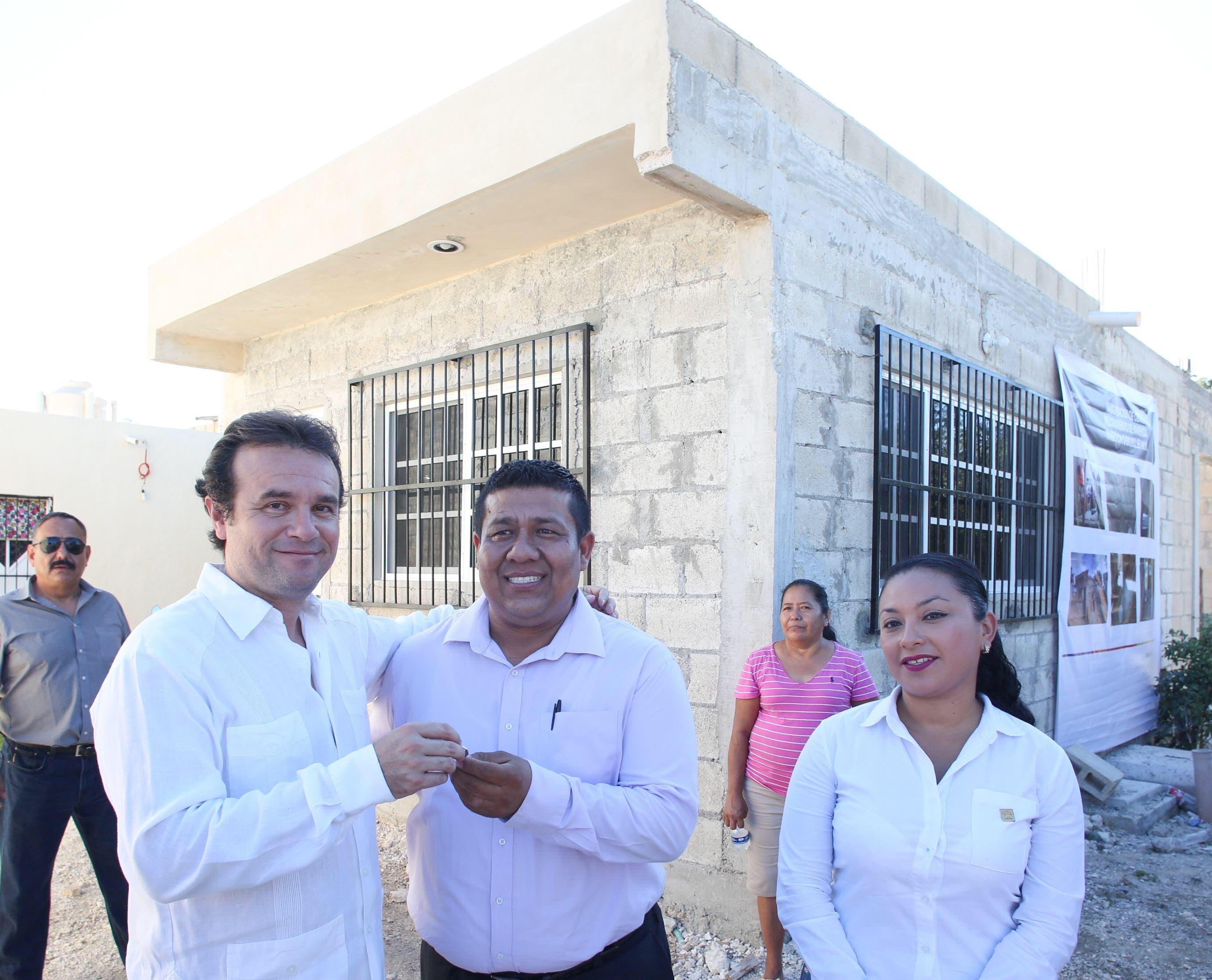 Brinda Pedro Joaquín calidad de vida a más 150 cozumeleños con obras que requirieron más de 2.5 mdp