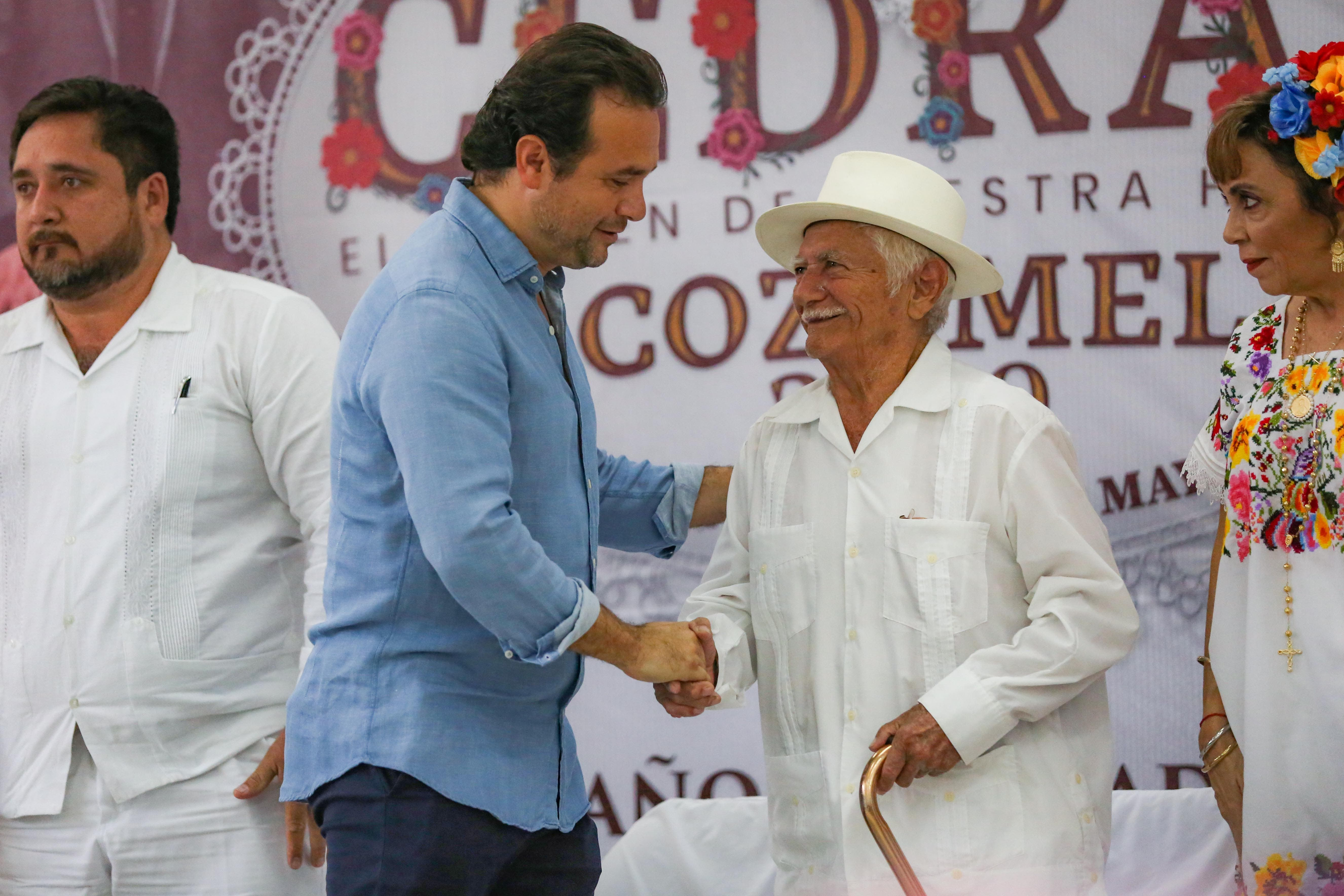 El Presidente Municipal fomenta la identidad histórica-cultural de Cozumel y contribuye a mantener una tradición de más de 170 años, que une a las familias y atrae a visitantes nacionales y extranjeros