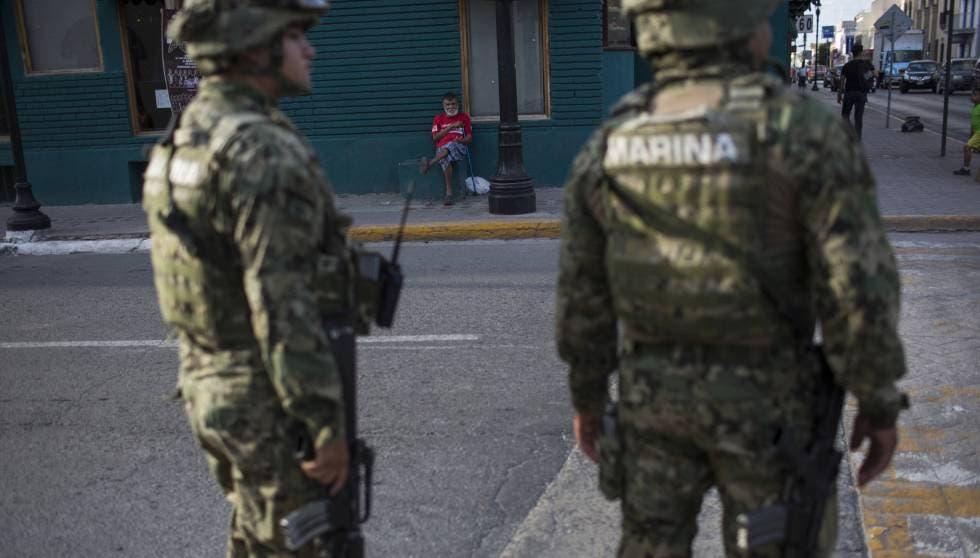 VÍDEO: Marina se enfrenta a presuntos sicarios