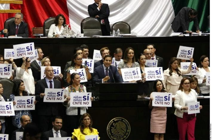 Diputados aprueban la Reforma Educativa