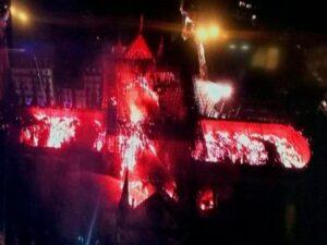 reconstruir Notre- Dame Incendio