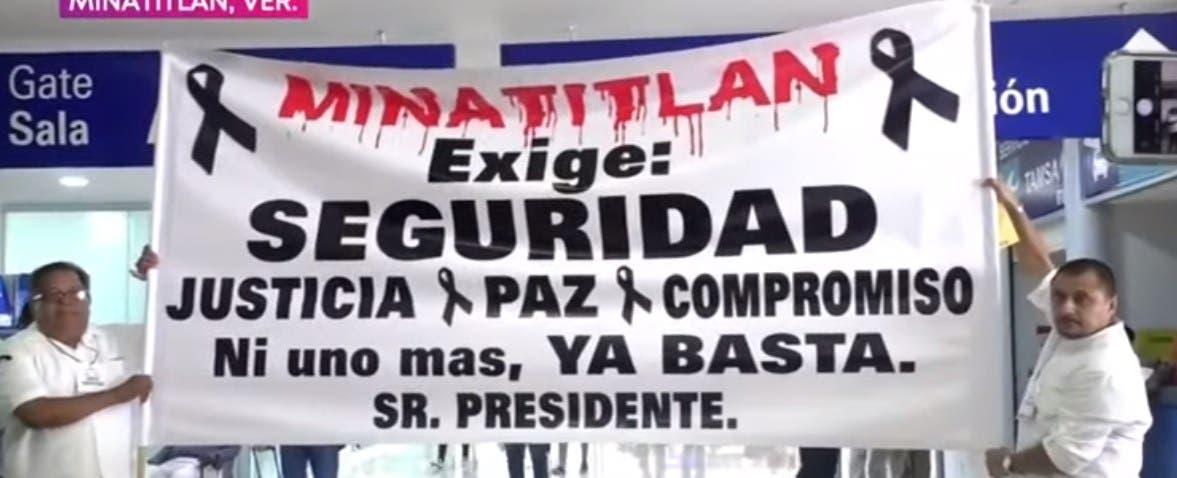 """""""Minatitlán exige seguridad"""", y justicia a López Obrador"""