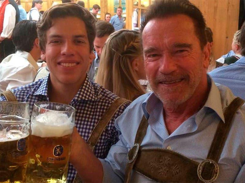 Hijo de Arnold Schwarzenegger, terminó la universidad