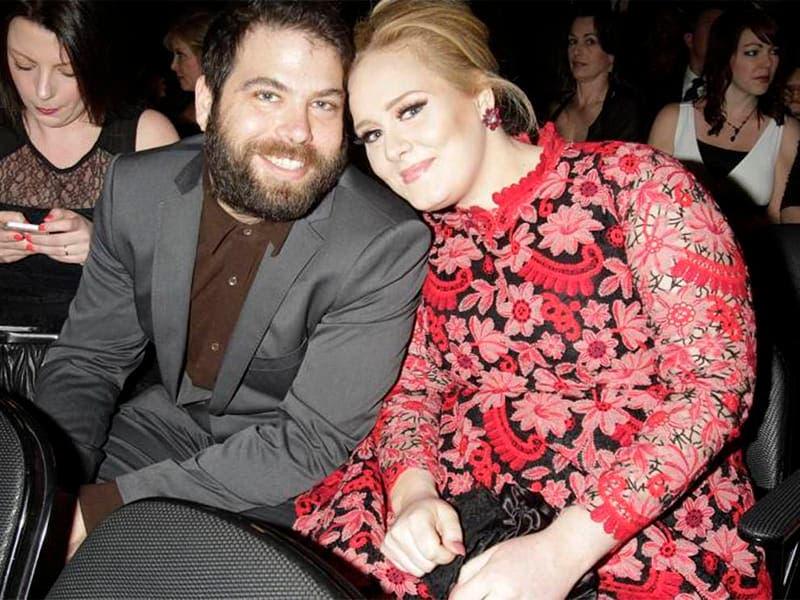 Adele se divorcia tras siete años y un hijo
