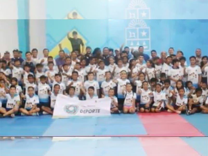 Equipo multidisciplinario de la COJUDEQ realiza pruebas en busca de nuevo talento deportivo