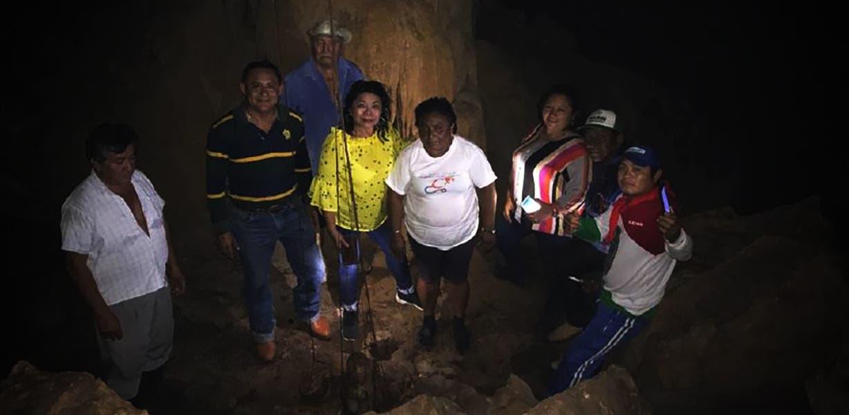 Pobladores de Yucatán que han estado trabajando en el lugar