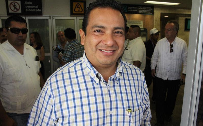 Oficial Mayor del Gobierno del Estado, Manuel Alamilla Ceballos