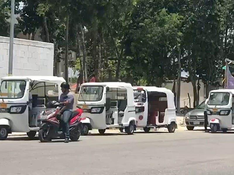 Evitarán enfrentamientos entre mototaxis y taxistas de Playa del Carmen