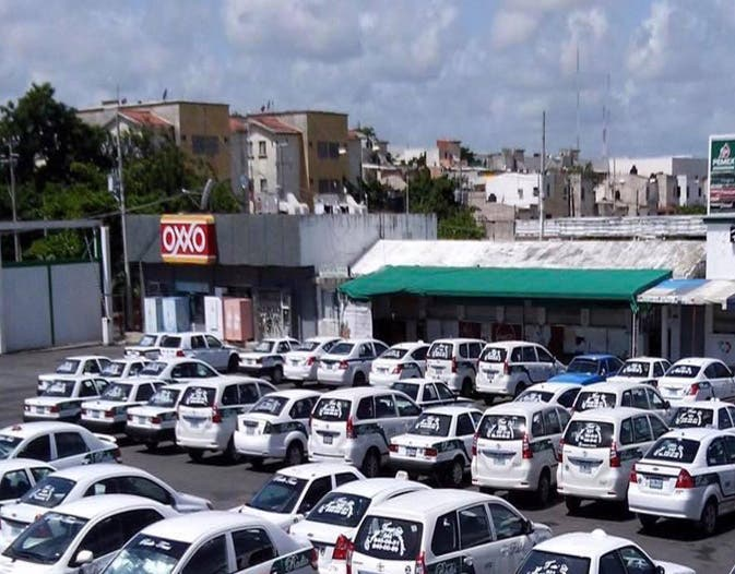 Taxistas rachazan llegada de UBER
