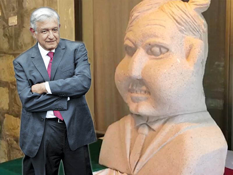 Develan busto en honor a AMLO
