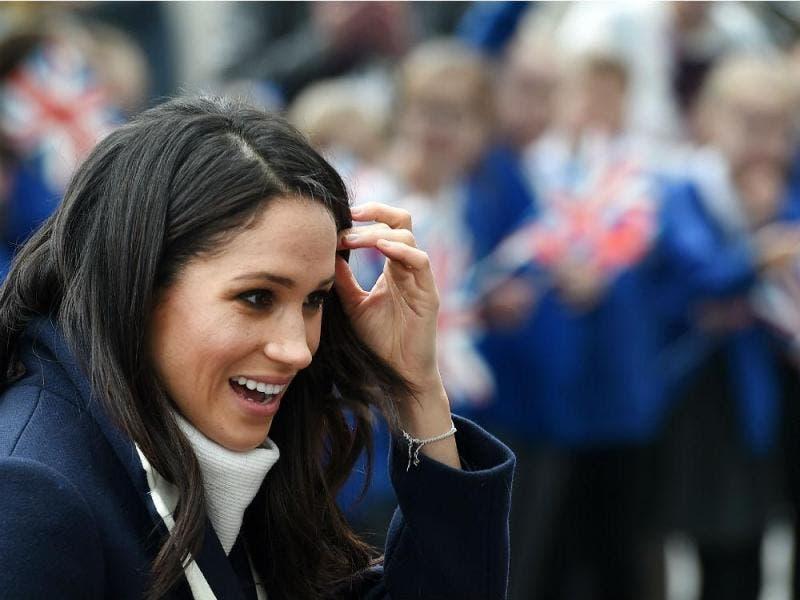 La duquesa de Sussex continúa desafiando a la casa real británica