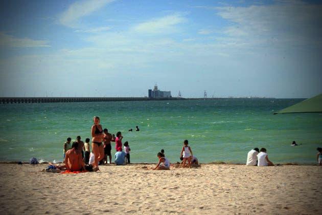 Padres descuidados pierden a sus hijos mientras van a la playa