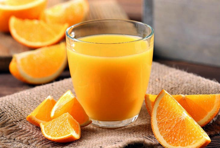 Estudio revela que tomar jugo de naranja es más dañino que un refresco