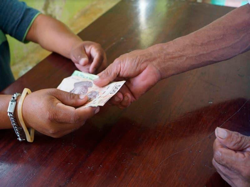 Piden a campesinos que no gasten recursos de utilidades en cantinas