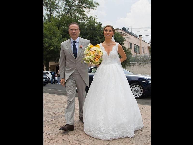 Enrique Peña Nieto presume a su novia Tania Ruiz y derraman miel