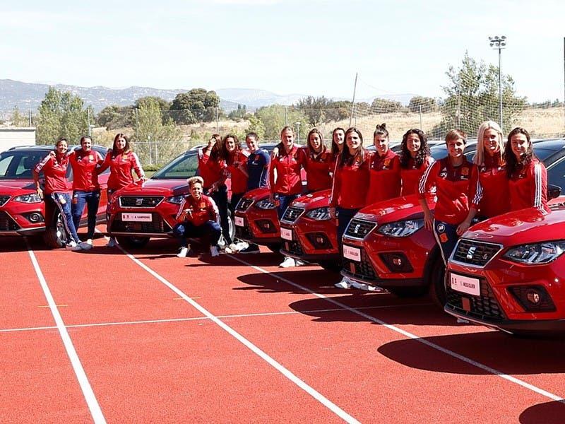 Francia 2019: Selección Española Femenil recibe autos de regalo