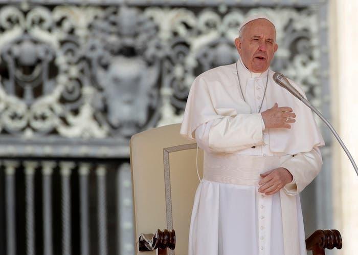 """El Papa Francisco pidió ser creativos en la política y desarrollarla en un ambiente de diálogo y compromiso, debido a que es necesario pactar con """"algunas situaciones hasta que se aclaren las otras""""."""