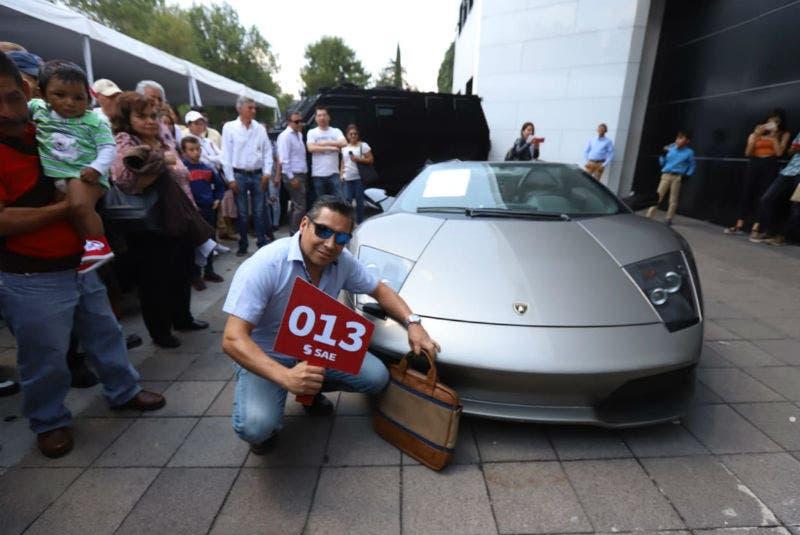 Subasta en los pinos vende Lamborghini Murciélago en 1.7 mdp
