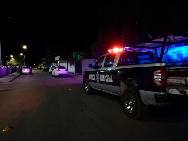 Elementos de la policía de Felipe Carrillo quitan manta con amenazas