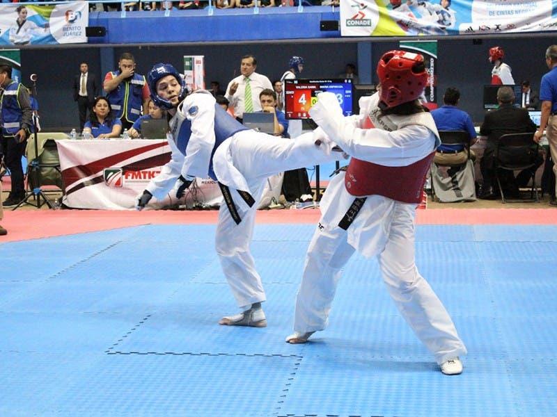 María Espinoza y Brandon Plaza por el oro en Mundial de Taekwondo