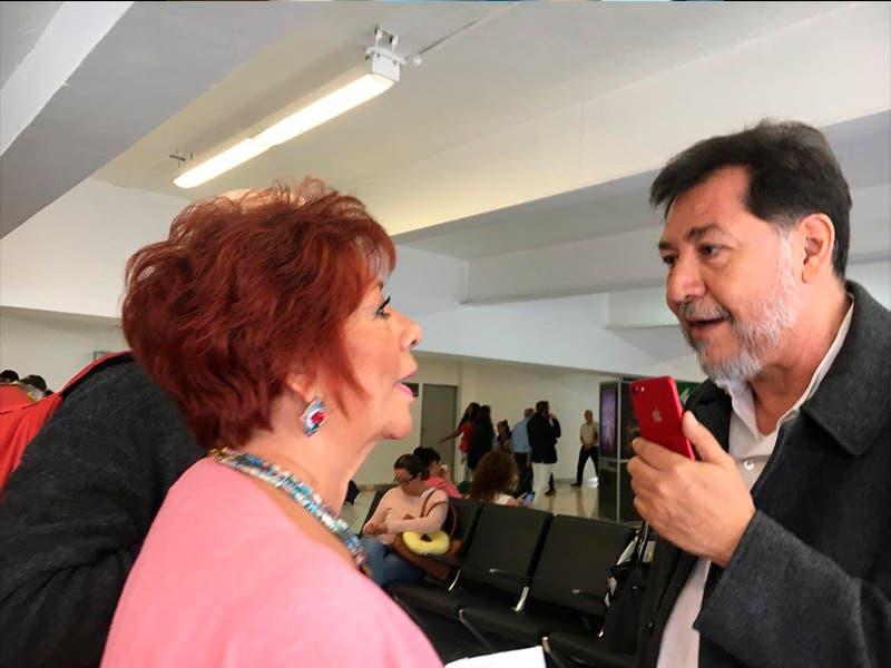 Noroña le dice a mujer 'ignorante y majadera', por llamarlo 'pejezombie'
