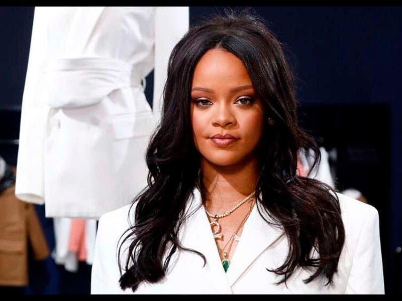Rihanna hace historia al lanzar Fenty con Louis Vouitton