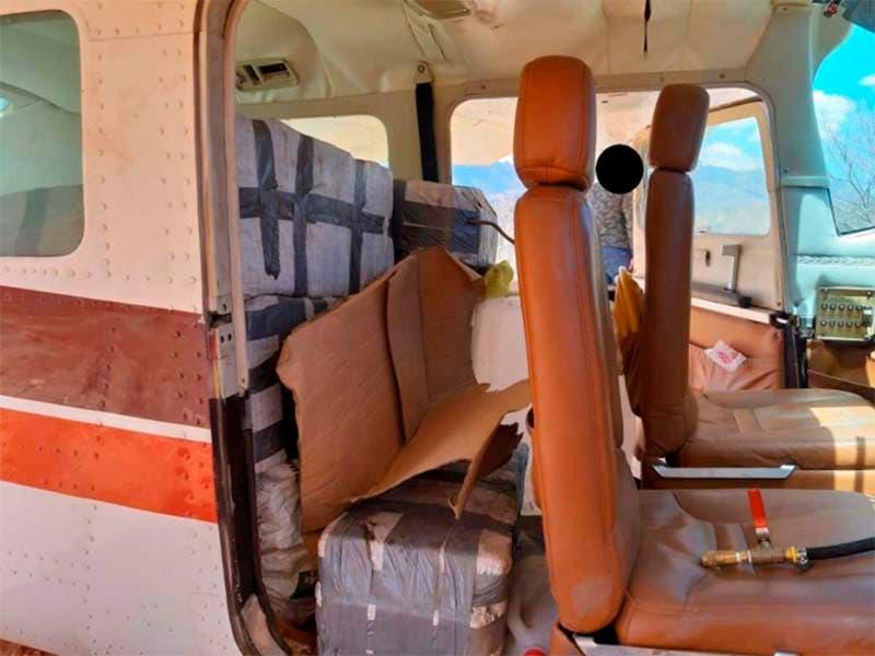 Aseguran avioneta con 280 kilos de cocaína