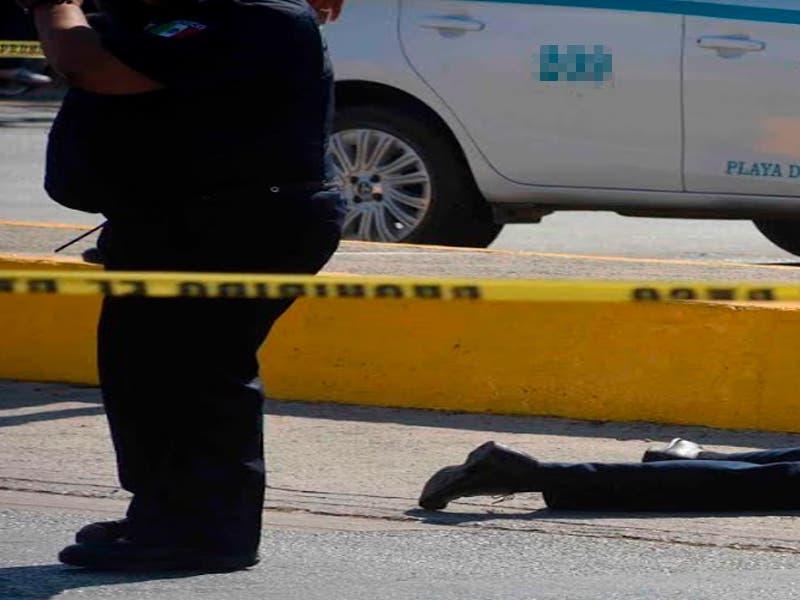Taxi de Playa del Carmen es atacado a balazos