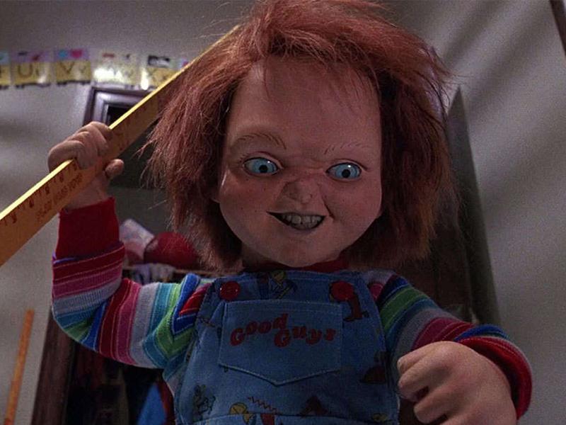 "Chucky, el muñeco diabólico asesina a ""Woody"" de Toy Story"