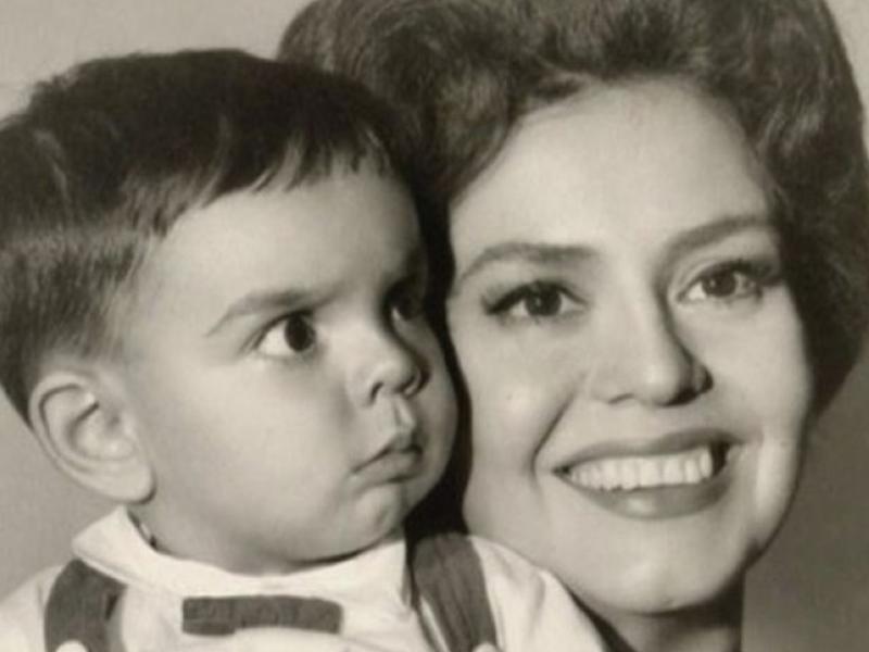 Las felicitaciones de los famosos a sus mamás este 10 de mayo