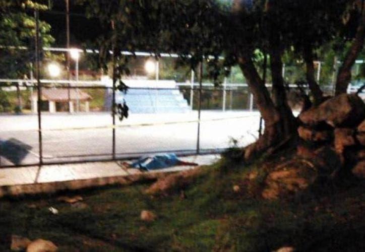 Joven muere electrocutado cuando jugaba fútbol