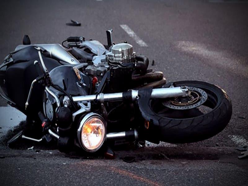 Lunes rojo: jovencita muere al derrapar con su moto
